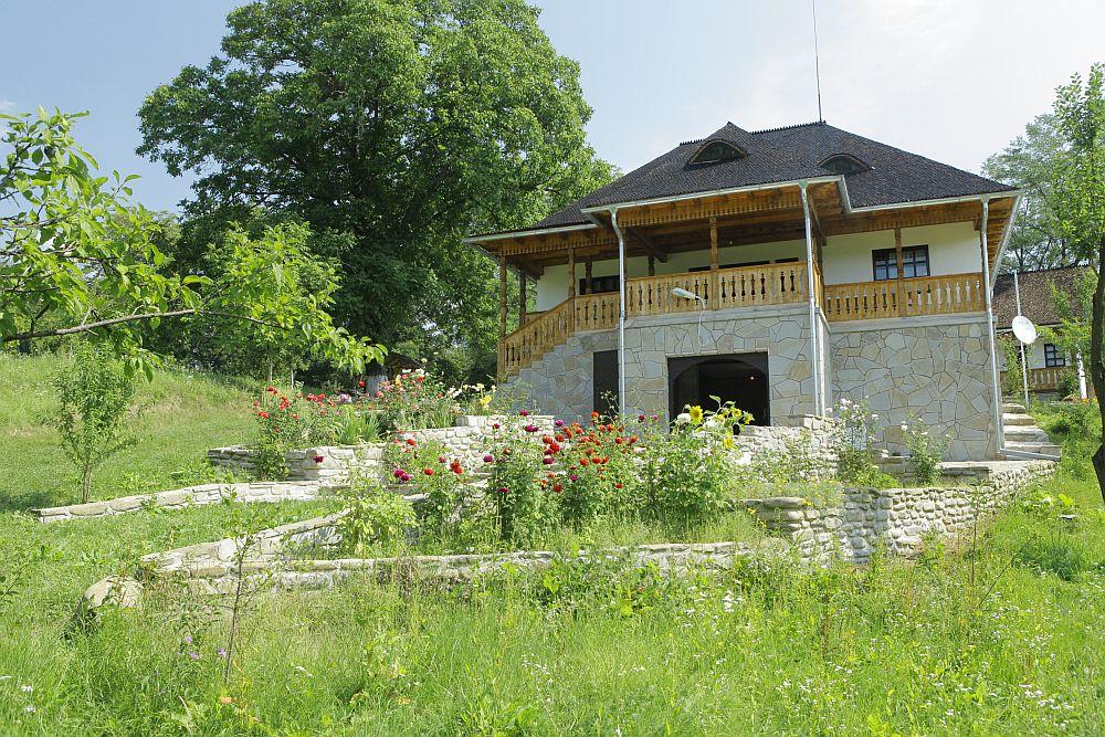 adelaparvu.com despre casa traditionala romaneasca, casa cu arhitectura rustica romaneasca, arh. Doina Petrescu, foto Andrei Baltaretu (7)