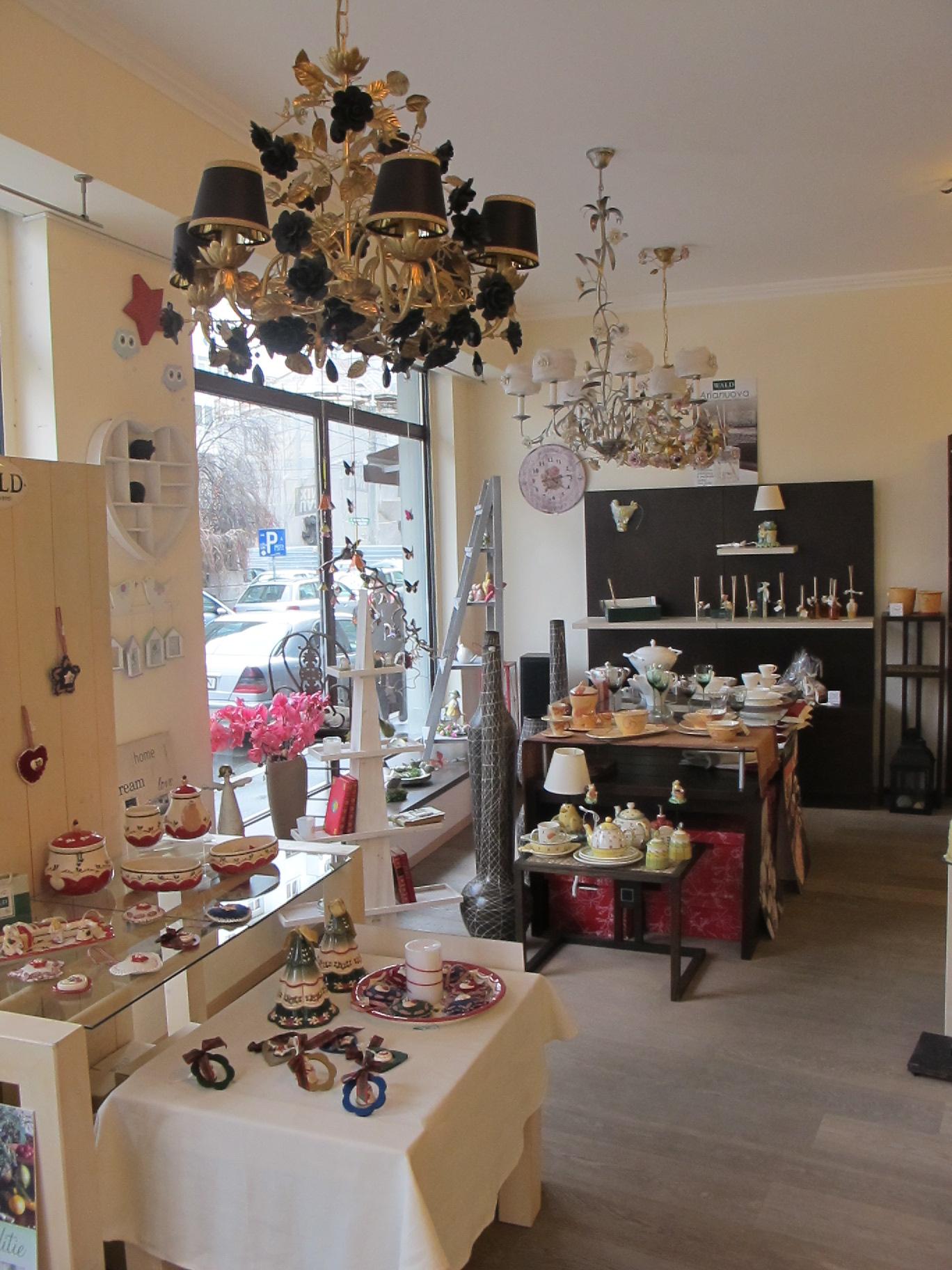 Lustre si candelabre Villari la Pierrot decoratiuni cu preturi incepand de la 1500 lei