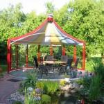Pavilionul Rondo de la Hoklatherm deschis catre gradina