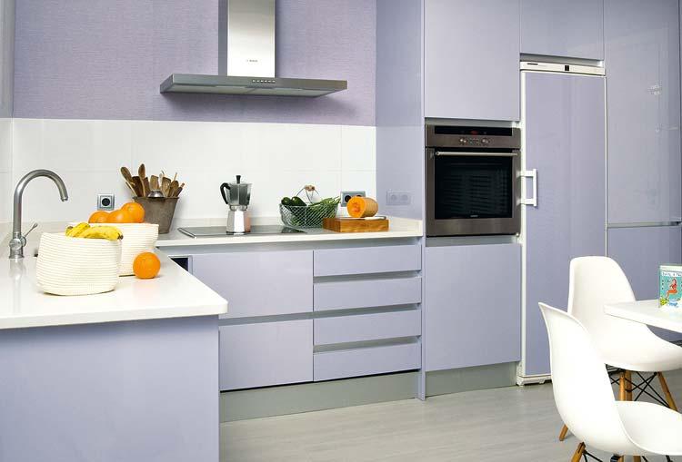 adelaparvu.com despre locuinta cu pereti gri si decor pastelat Foto Micasa 7