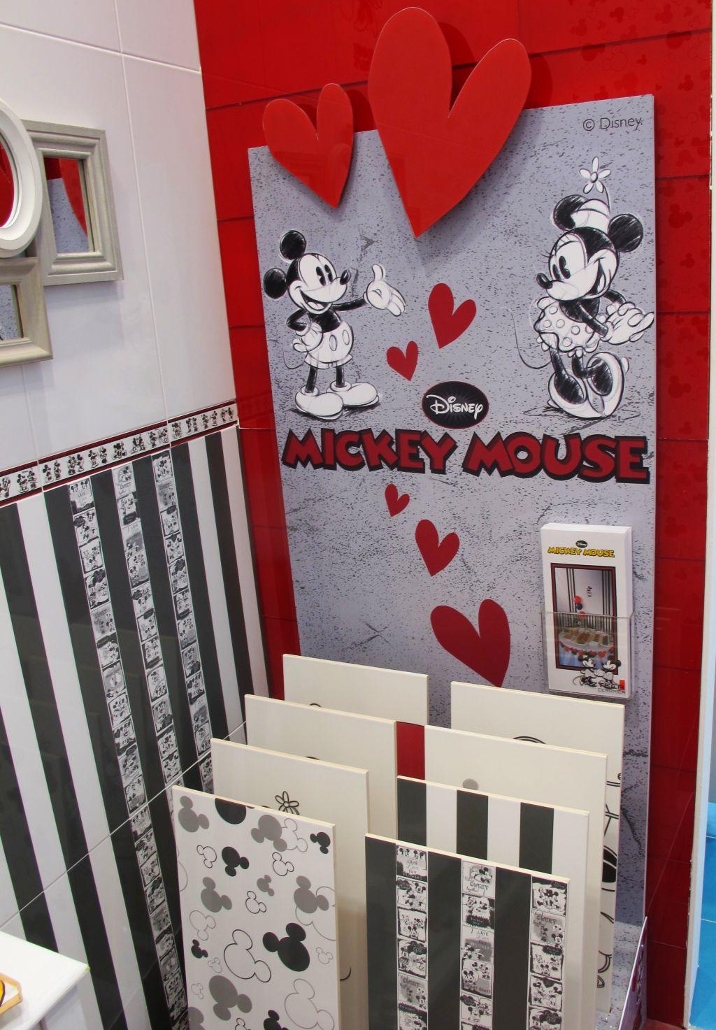 Placi ceramice cu Mickey Mouse de la Azteca Ceramica