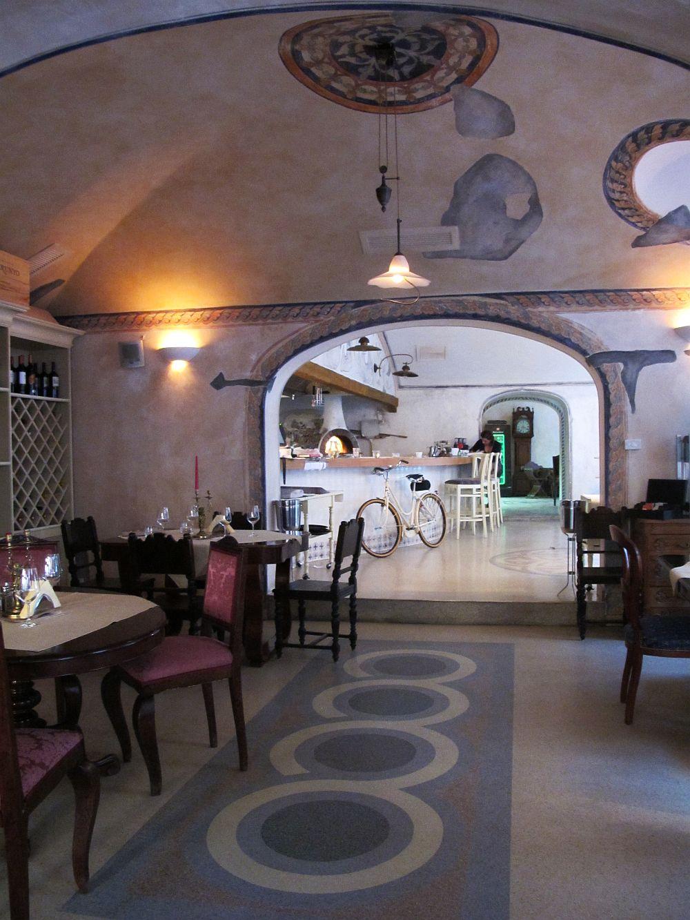 adelaparvu.com despre Cafeneaua Veche (11)