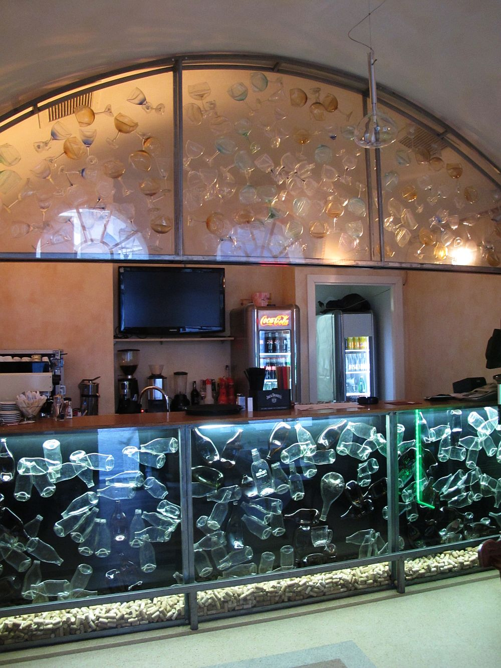 adelaparvu.com despre Cafeneaua Veche (4)