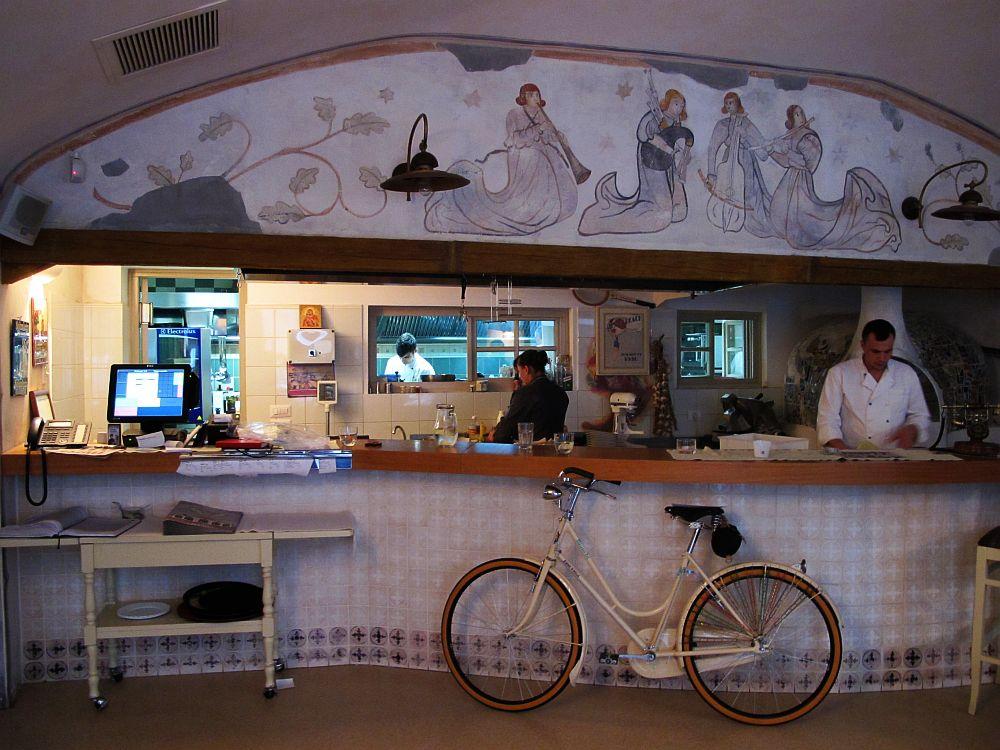 adelaparvu.com despre Cafeneaua Veche (8)