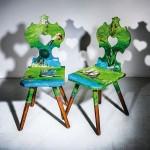 Scaunele pictate de designerii de la Trau Dich din Austria