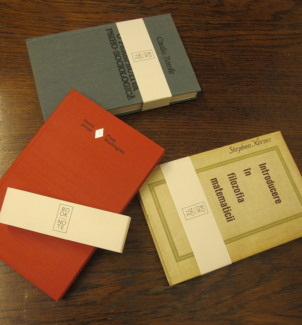Agende cu foi albe sau daca vrei jurnale cu coperte de carte, un poriect Ping Pong si Booknote