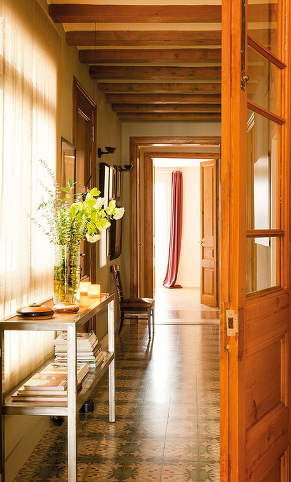 adelaparvu.com despre rustic si modern intr-o casa de la oras Foto ElMueble (1)