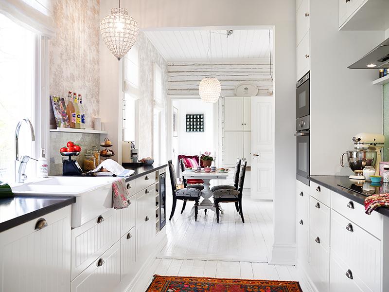 adelaparvu.com about Art Nouveau wood house Sweden Foto Stadshem (36)
