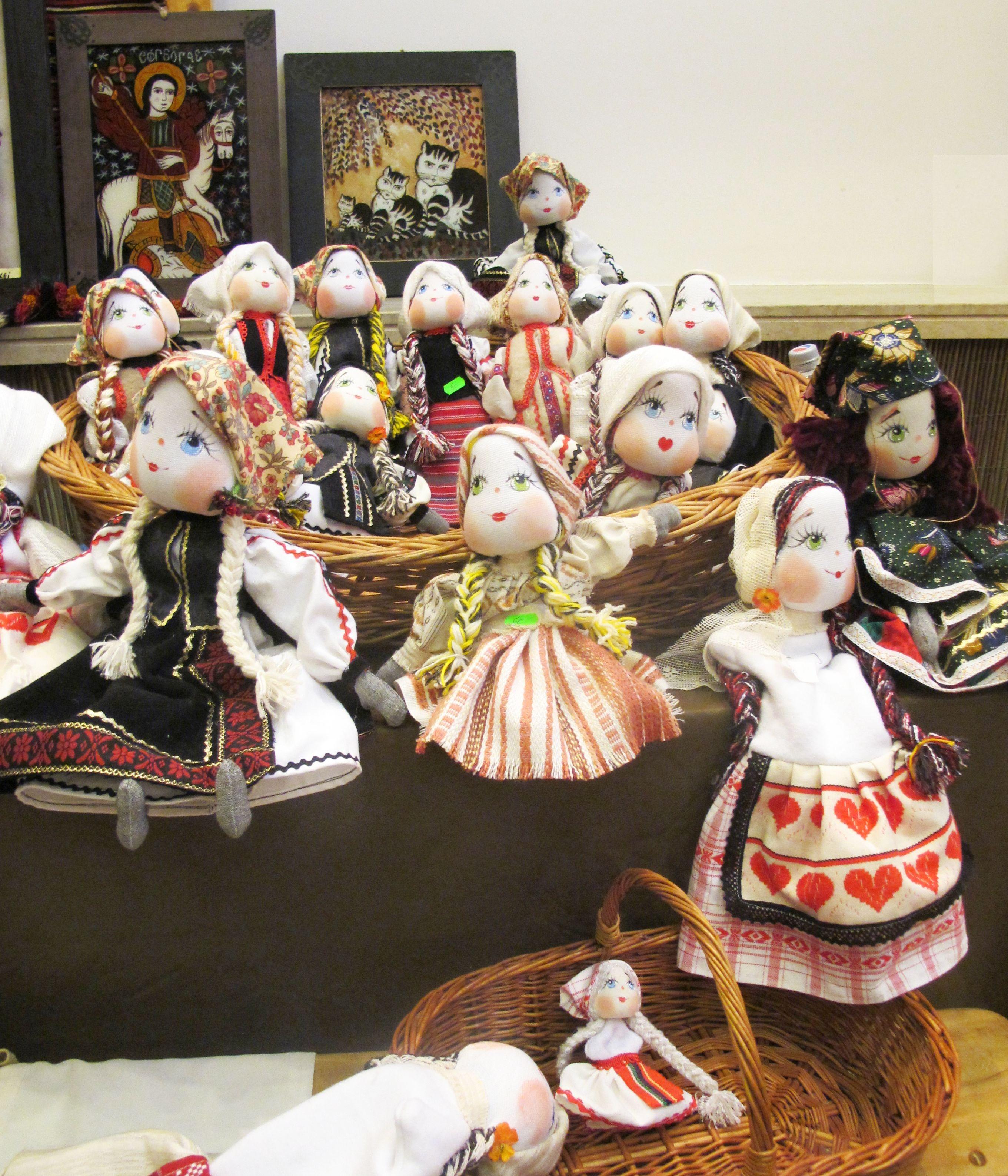 adelaparvu.com about Doina Nistor dolls artisan (1)