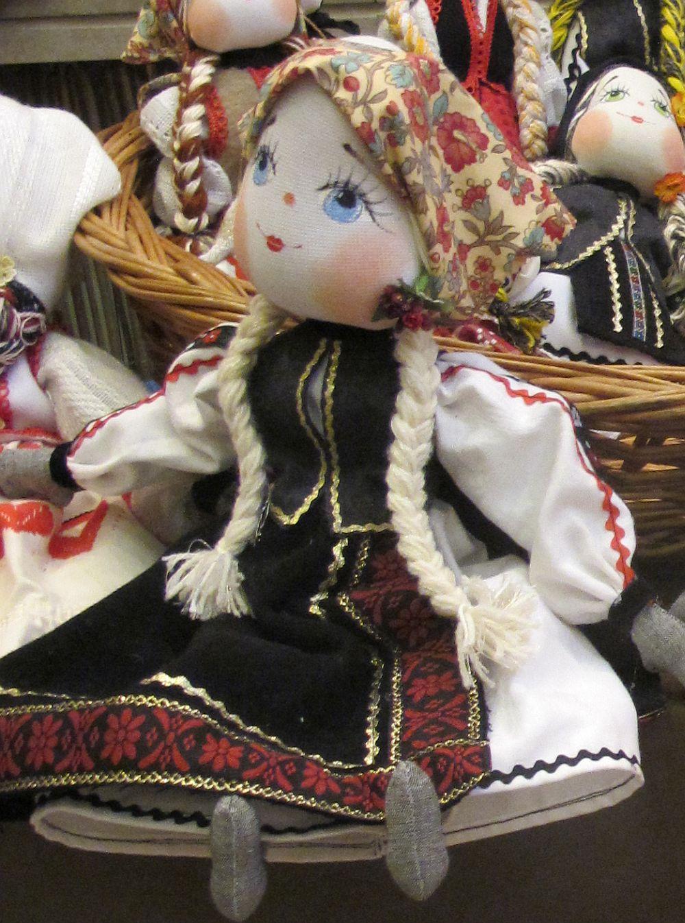adelaparvu.com about Doina Nistor dolls artisan (8)