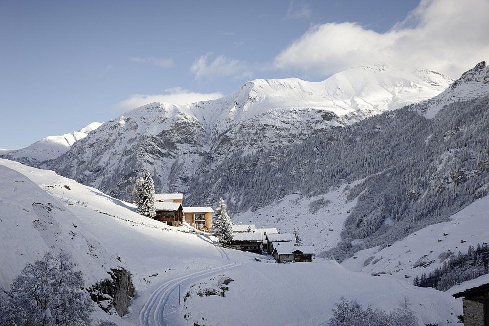 adelaparvu.com about Zumthor Vacantion House Swiss, Architect Peter Zumthor, Photo Ralph Feiner (17)