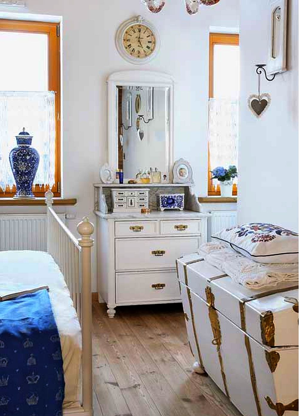 adelaparvu.com about rustic house in white and blue Photo Aneta Tryczynska(12)