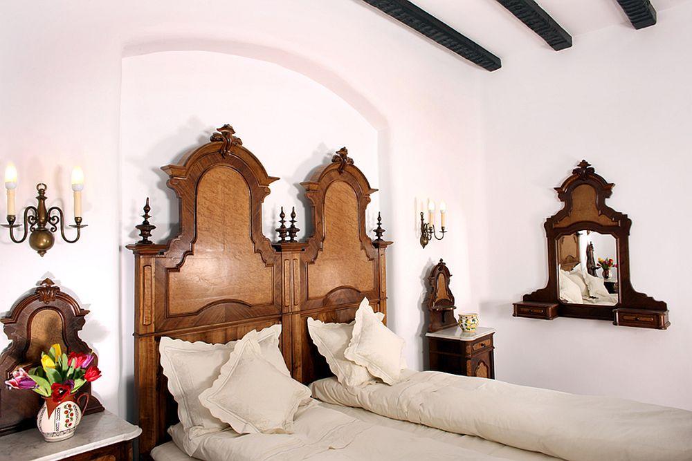 Lenjerii de pat facute pe comanda pentru Conacul Maldar