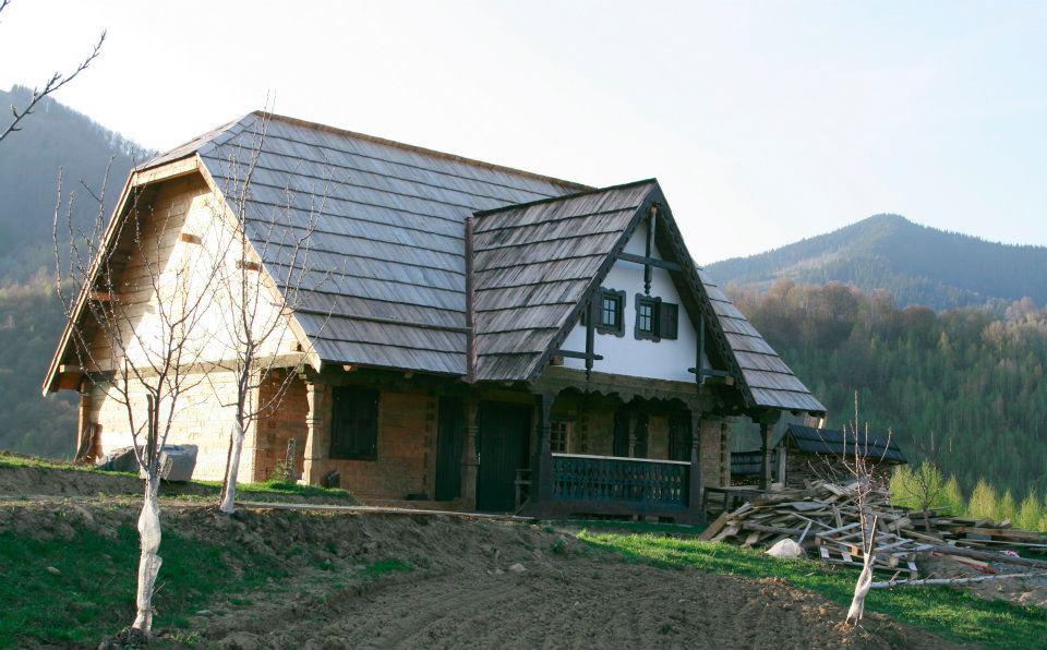 adelaparvu.com despre Sangeorz Bai si Maxim Dumitras (10)