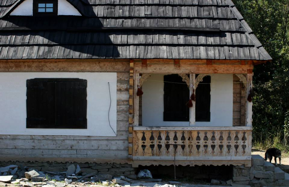 Detaliu casa traditionala specifica zonei Bistrita Nasaud