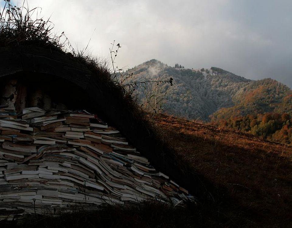 Instalatie de arta pe dealuri de la Sangeorz-Bai