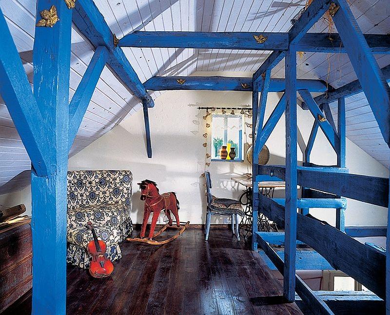 adelaparvu.com despre casa veche din lemn colorata Foto Sylwester Rejmer (6)