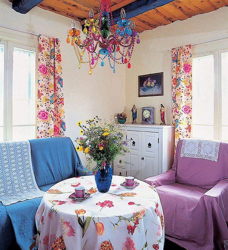adelaparvu.com despre casa veche din lemn colorata Foto Sylwester Rejmer (8)