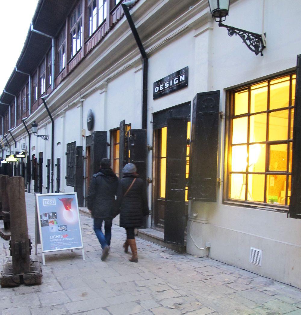 Galeria 15 Design Hanul cu Tei, unde are loc expozitia LightsUp a lui Constantin Alupoaei