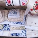 adelaparvu.com despre fete de masa si costume populare facute de Viorica Copaci (7)