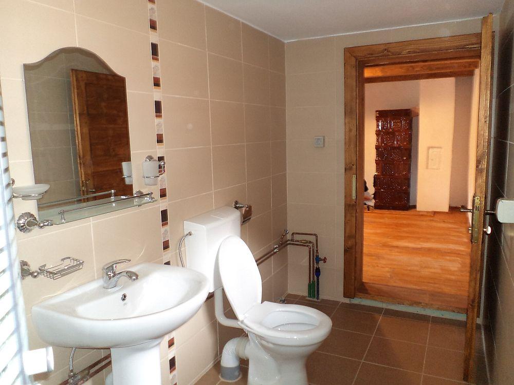 adelaparvu.com despre resturare casa taraneasca 364 Rosia Montana (9)