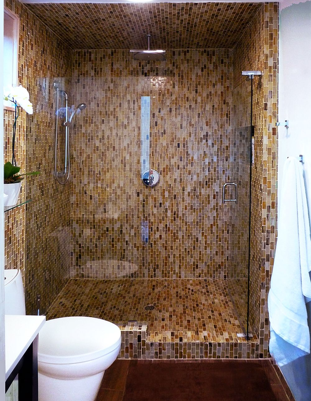 adelaparvu.com un garaj transformat in garsoniera Design Debbie Gliksman Urban Oasis (8)