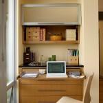 Intr-o parte a livingului sau a dormitorului se poate crea un loc de birou aproape de fereastra. Foto Lucy Johnson Interior Design