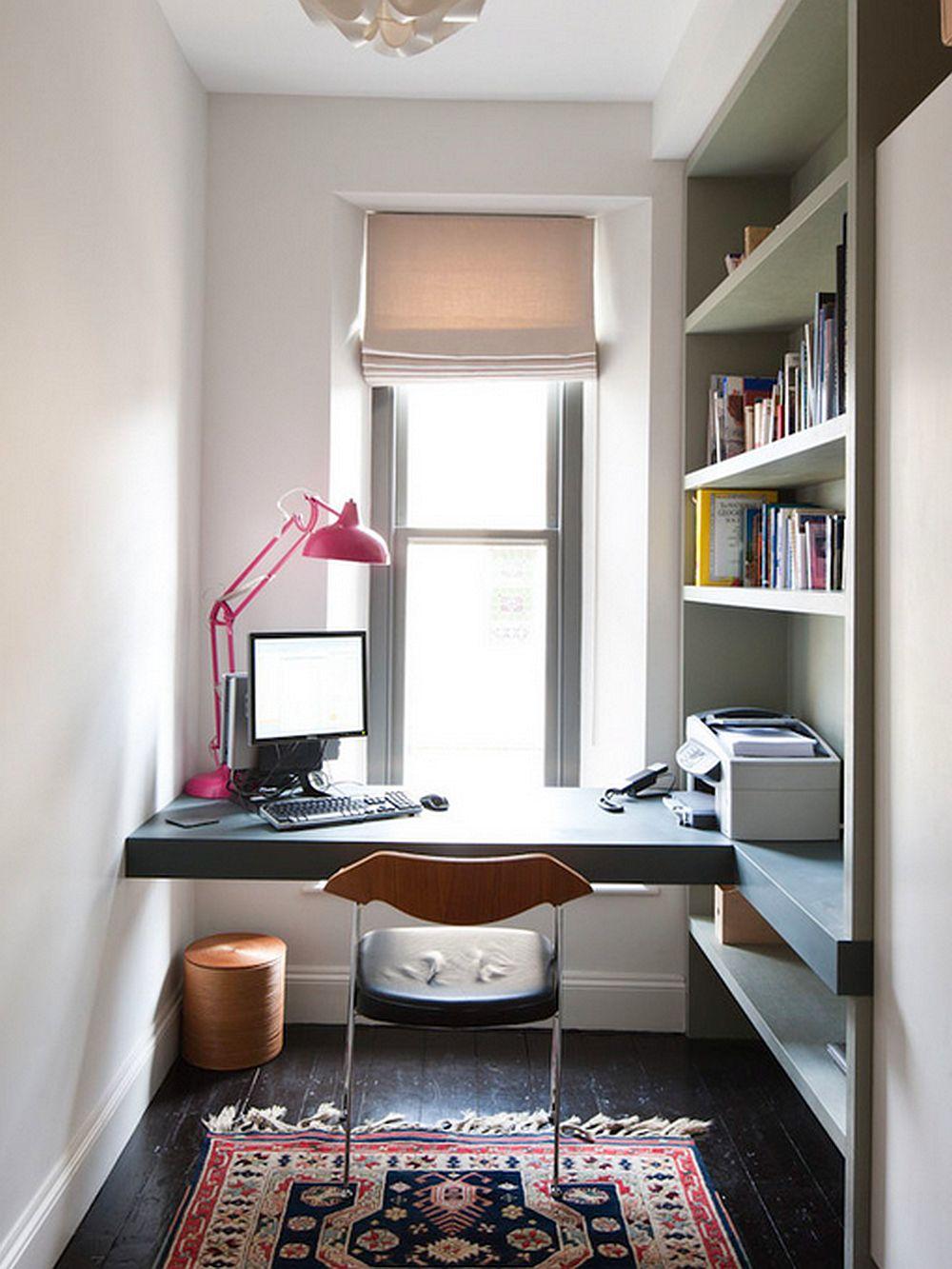 Chiar și într-un spatiu ingust se poate crea loc de birou, dar e de preferat ca masa sa fie suspendata, fara picioare. Foto moon design + build