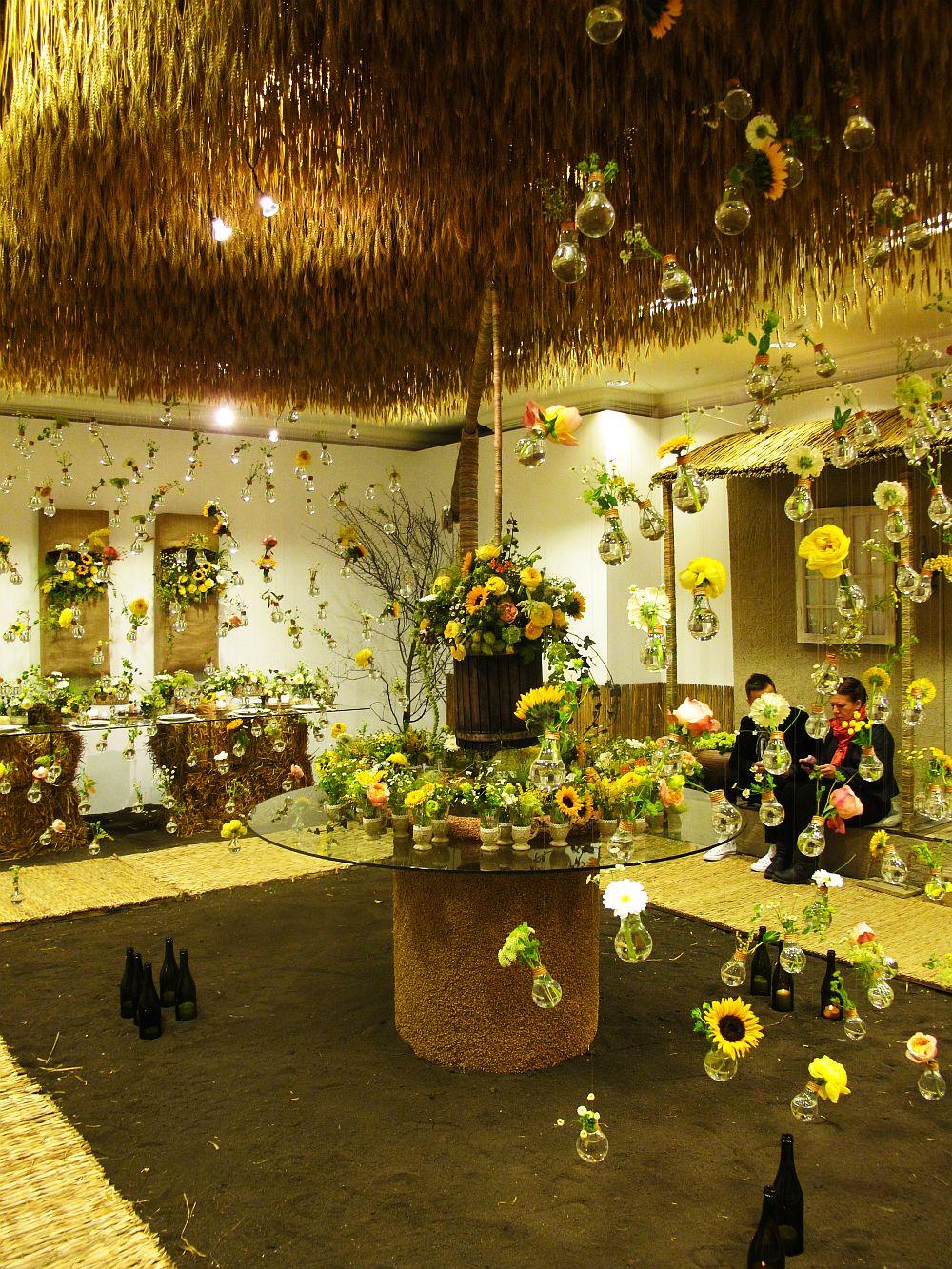 adelaparvu.com about Romanian wedding theme, Floraria Iris stand, floral designer Nicu Bocancea (12)