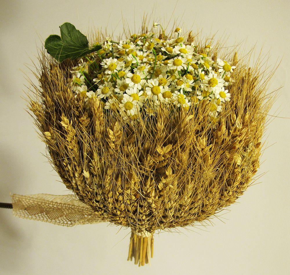 adelaparvu.com about Romanian wedding theme, Floraria Iris stand, floral designer Nicu Bocancea (14)