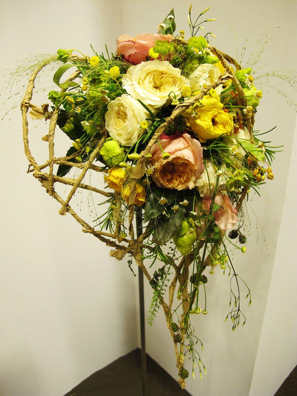 adelaparvu.com about Romanian wedding theme, Floraria Iris stand, floral designer Nicu Bocancea (16)