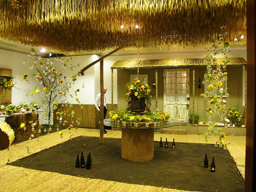 adelaparvu.com about Romanian wedding theme, Floraria Iris stand, floral designer Nicu Bocancea (19)