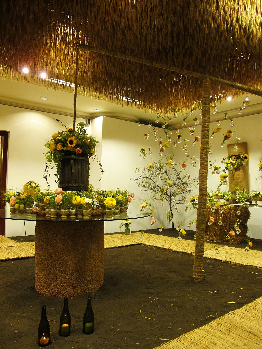 adelaparvu.com about Romanian wedding theme, Floraria Iris stand, floral designer Nicu Bocancea (25)