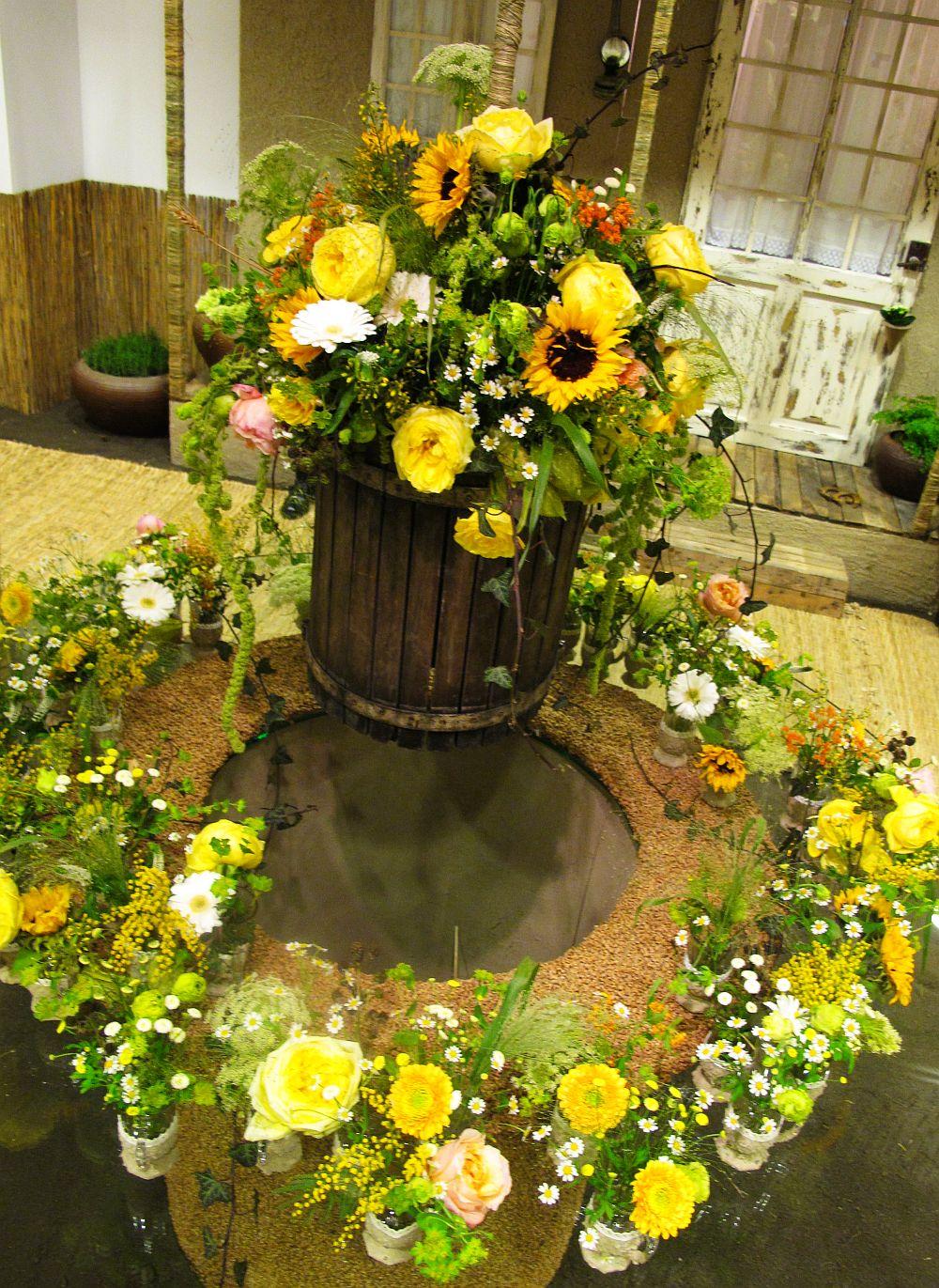 adelaparvu.com about Romanian wedding theme, Floraria Iris stand, floral designer Nicu Bocancea (32)