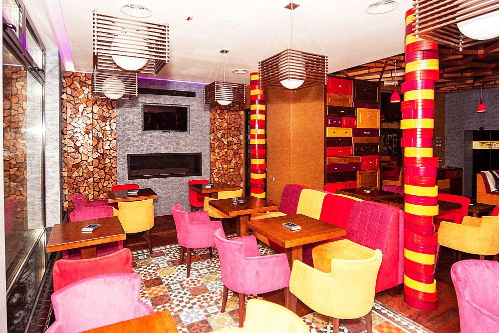 adelaparvu.com about Traffic Restaurant and Lounge Bucharest, Architecture One Design, Photo Goran Drenkov (1)