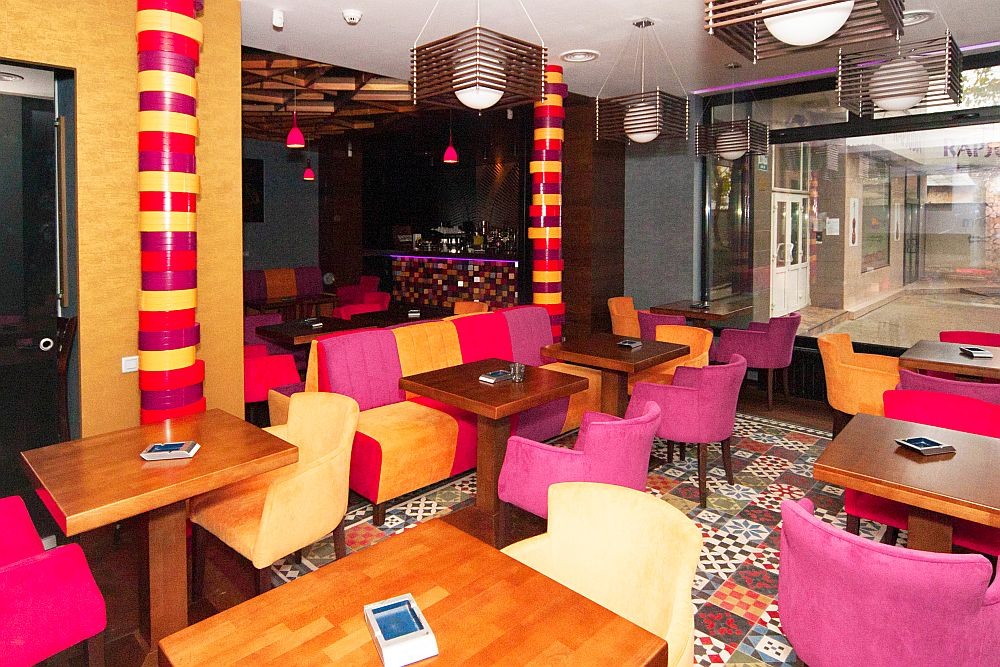 adelaparvu.com about Traffic Restaurant and Lounge Bucharest, Architecture One Design, Photo Goran Drenkov (2)