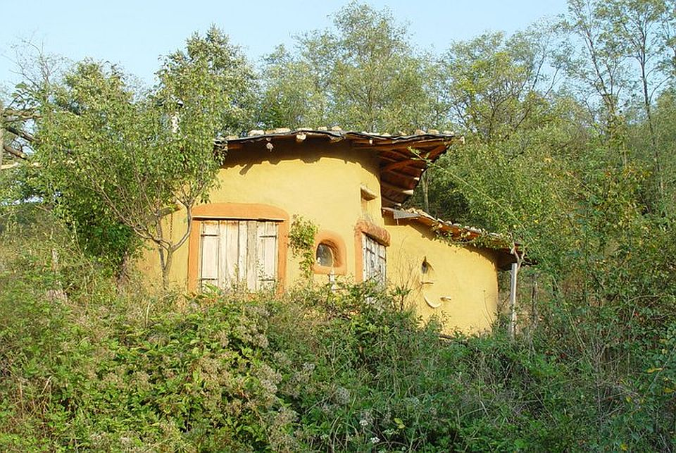 adelaparvu.com about cob house in Romania Sasca Montana village, architect Ileana Mavrodin, Casa Verde, casa de lut (10)