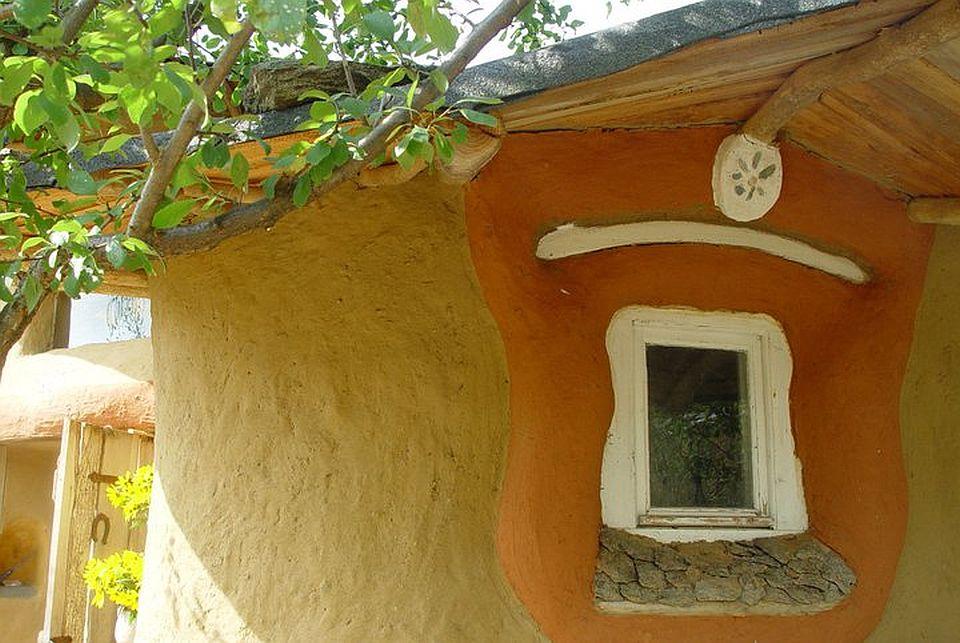 adelaparvu.com about cob house in Romania Sasca Montana village, architect Ileana Mavrodin, Casa Verde, casa de lut (12)
