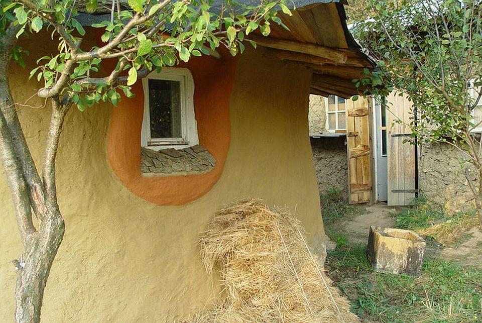 adelaparvu.com about cob house in Romania Sasca Montana village, architect Ileana Mavrodin, Casa Verde, casa de lut (13)