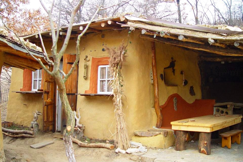 adelaparvu.com about cob house in Romania Sasca Montana village, architect Ileana Mavrodin, Casa Verde, casa de lut (21)