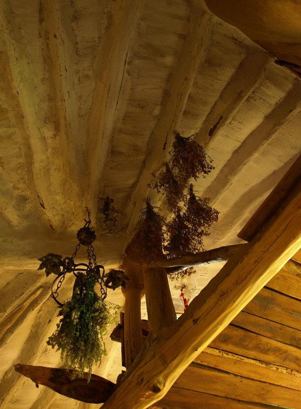 adelaparvu.com about cob house in Romania Sasca Montana village, architect Ileana Mavrodin, Casa Verde, casa de lut (29)