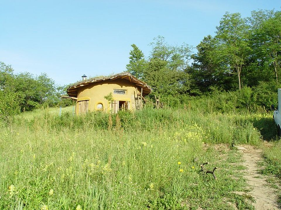 adelaparvu.com about cob house in Romania Sasca Montana village, architect Ileana Mavrodin, Casa Verde, casa de lut (3)