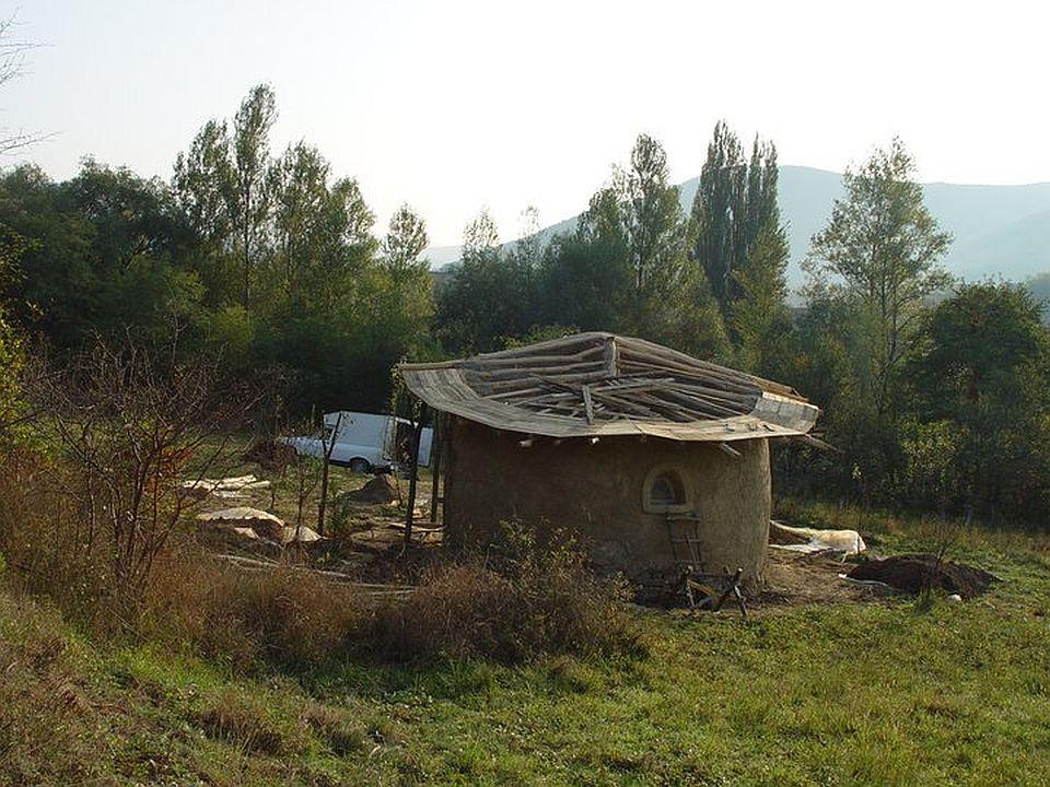 adelaparvu.com about cob house in Romania Sasca Montana village, architect Ileana Mavrodin, Casa Verde, casa de lut (6)