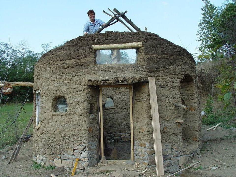 adelaparvu.com about cob house in Romania, Sasca Montana village, architect Ileana Mavrodin, Casa Verde, casa de lut etape de constructie (6)