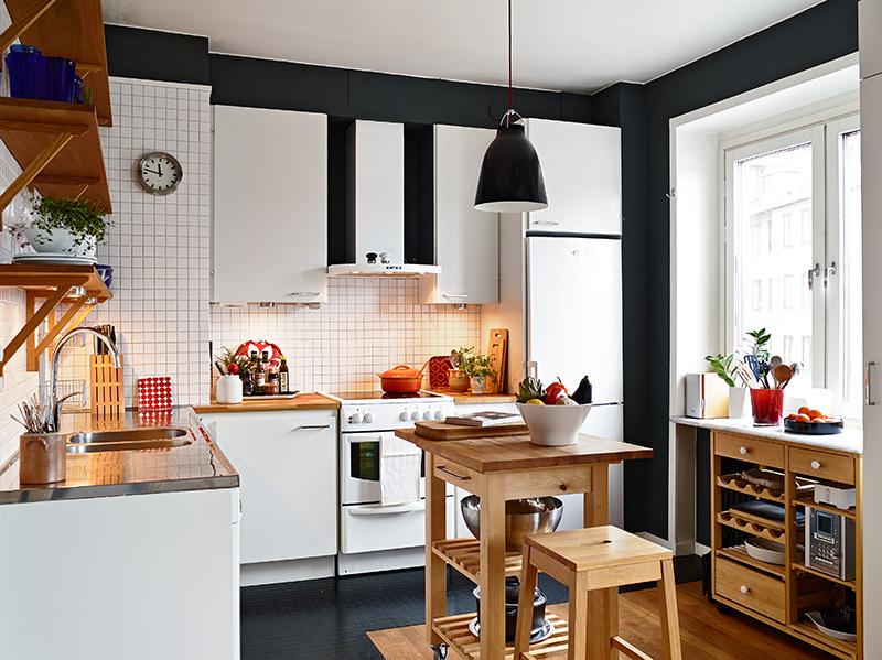 adelaparvu.com despre apartament 3 camere, Foto Janne Olander, Standshem, bucatarie alb cu negru (3)