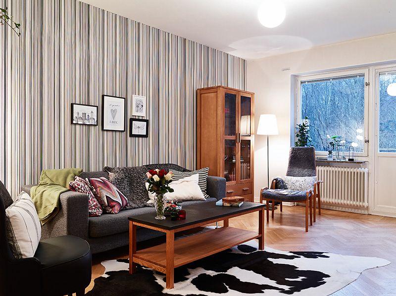 adelaparvu.com despre apartament de doua camere, living cu tapet Foto Jonas Berg (1)