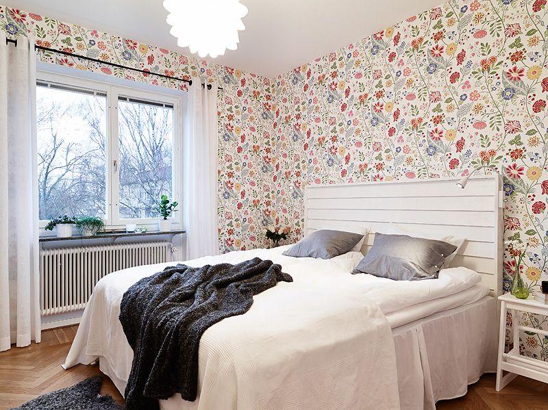 adelaparvu.com despre apartament de doua camere, tapet cu flori in dormitor, Foto Jonas Berg (12)