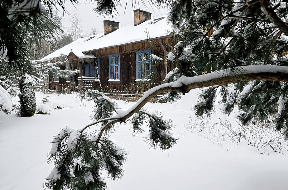 adelaparvu.com despre casa artistilor Marta Kedzierska si Jacek Tratkiewicz Foto Marek Szymanski, casa rustica iarna(6)