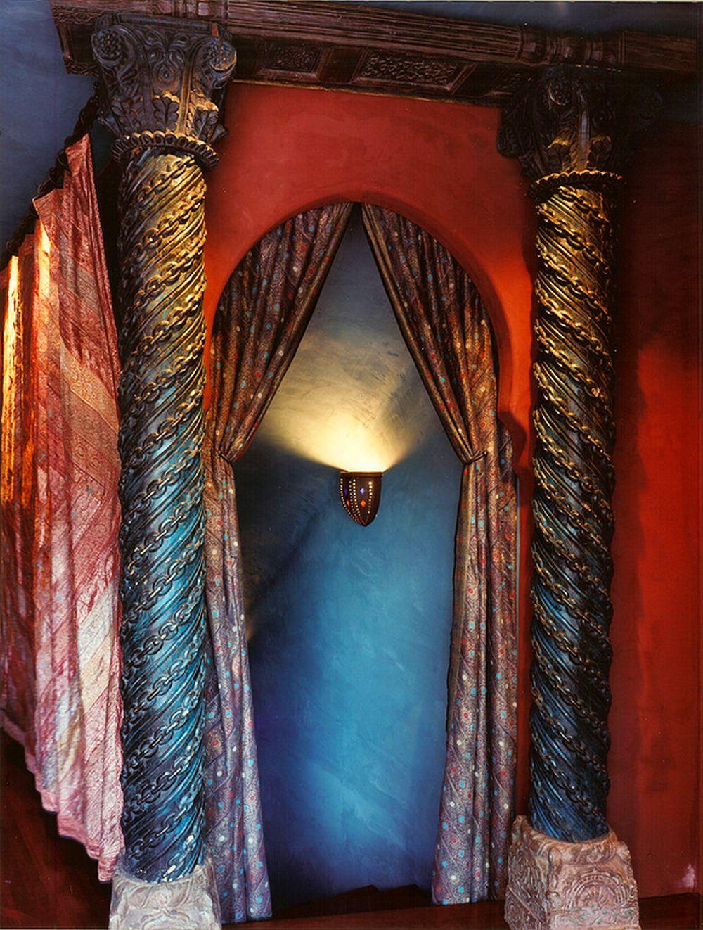adelaparvu.com despre casa in stil marocan, maroccan kasbah, design interior Barry Johnson, arh Louie Leu, Foto Sharon Risedorph (8)