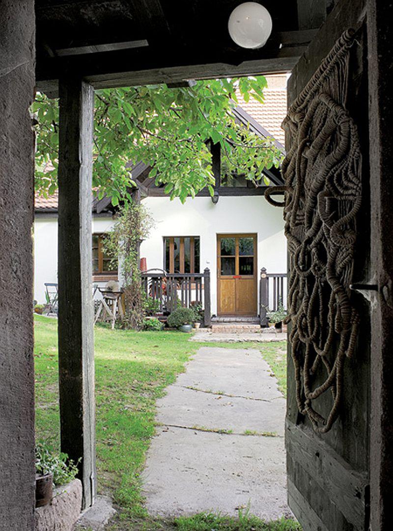 adelaparvu.com despre casa rustica cu atelier de pictura si studio muzical, Foto Jacek Kucharczyk, Weranda Country (13)
